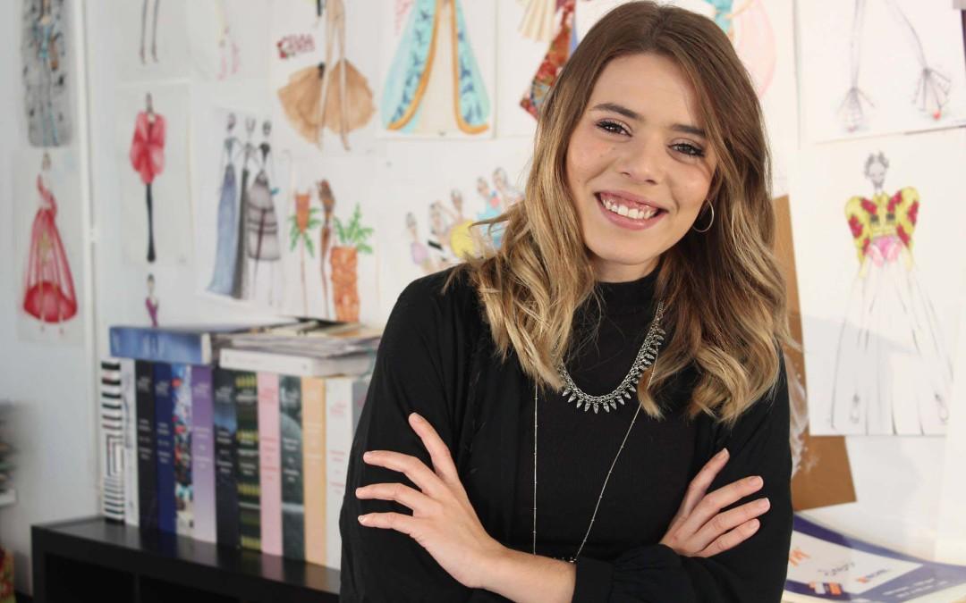 """Lucía Roca """"Tras estudiar en la Escuela Sevilla de Moda, estoy trabajando con uno de los mejores diseñadores de España"""""""